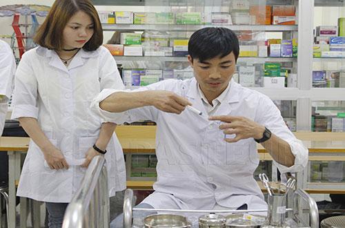 Điều dưỡng viên có vai trò quan trọng trong hệ thống Y tế