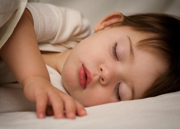 Chứng ngưng thở khi ngủ có thể xảy ra ở mọi trẻ em
